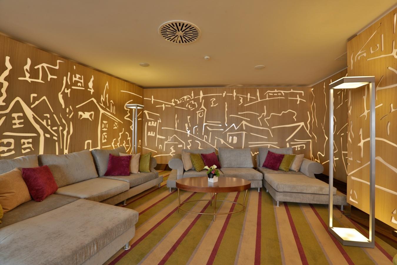 Sky-Lounge-Sofia-Hotel-International-Palace-Iasi